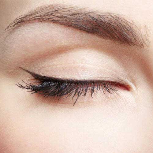 Picture of semi-permanent makeup