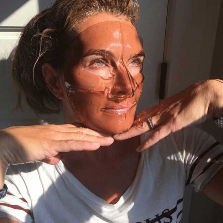 Woman with hydro mask applied